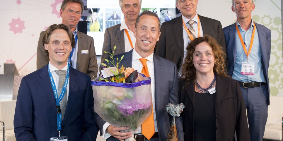Peter Göbel (ING Real Estate Finance) wint Green Leader Award fotograaf Robert Tjalondo